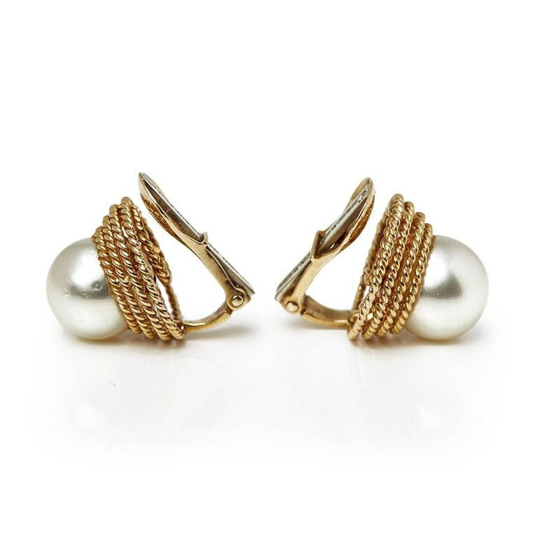 David Webb Yellow Gold Pearl Earrings In Excellent Condition For Sale In Bishop's Stortford, Hertfordshire