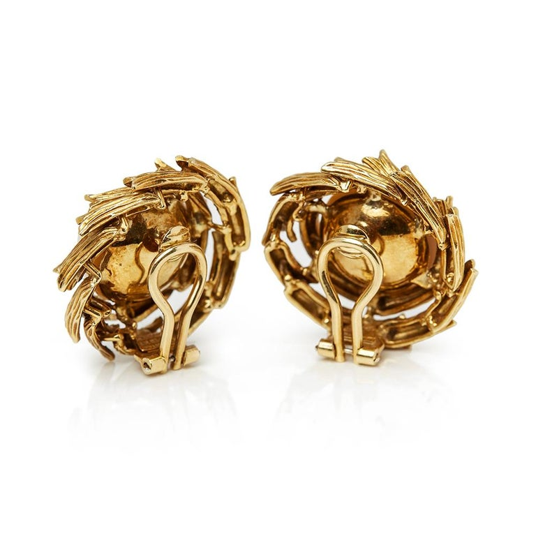 Women's Tiffany & Co. 18 Karat Yellow Gold Mabe Pearl Clip-On Earrings For Sale