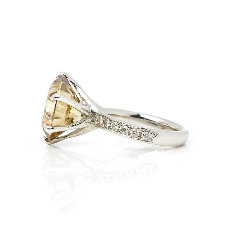18 Karat White Gold Moissanite Diamond Cocktail Ring In Excellent Condition For Sale In Bishop's Stortford, Hertfordshire