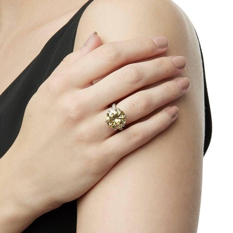 18 Karat White Gold Moissanite Diamond Cocktail Ring For Sale 1
