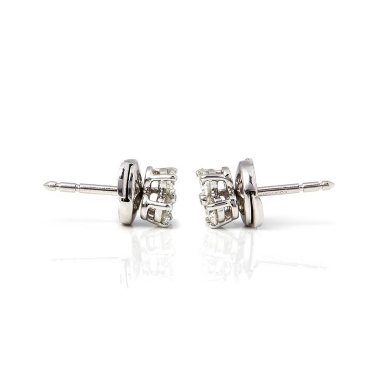 Xupes Code: COM1854 Brand: Tiffany & Co. Description: Platinum Diamond Aria Stud Earrings Accompanied With: Xupes Presentation Box Gender: Ladies Earring Length: 6mm Earring Width: 6mm Earring Back: Lock Condition: 9 Material: Platinum Total Weight: