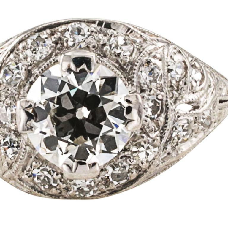 Women's or Men's 1.03 Carat Art Deco Diamond Platinum Engagement Ring For Sale
