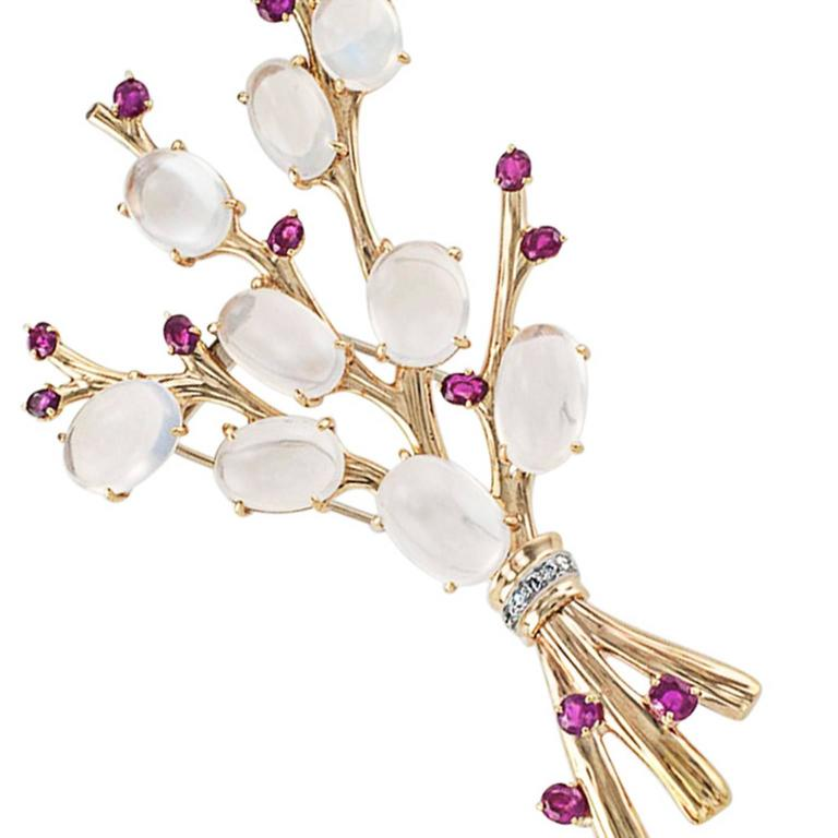 1940s Trabert and Hoeffer Mauboussin Retro Moonstone Ruby Brooch For Sale 1
