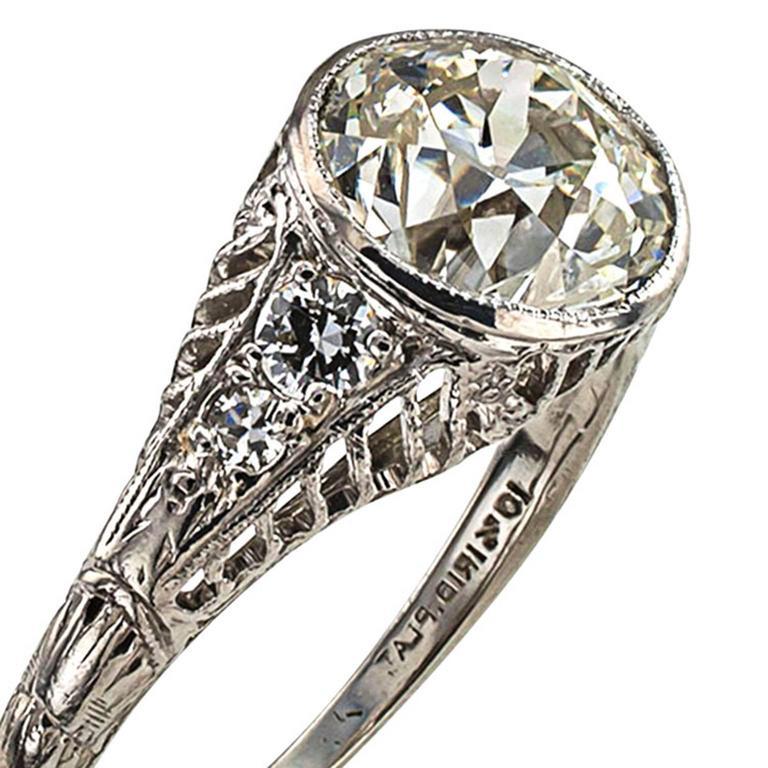 Edwardian 1.84 Carat Diamond Platinum Engagement Ring 2