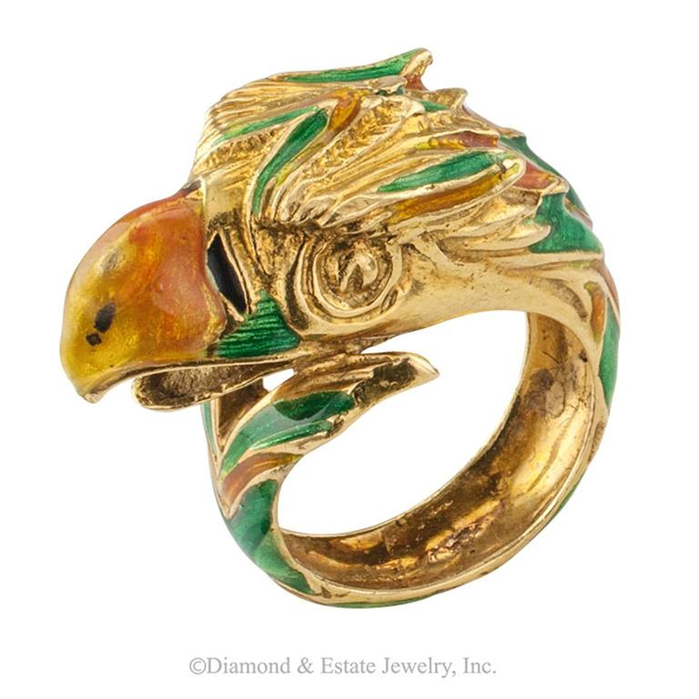 1970s Enamel and Gold Parrot Ring In Excellent Condition For Sale In Los Angeles, CA