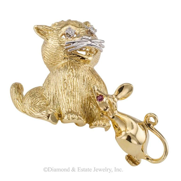 1960s Cat Mouse Ruby Diamond Gold Brooch