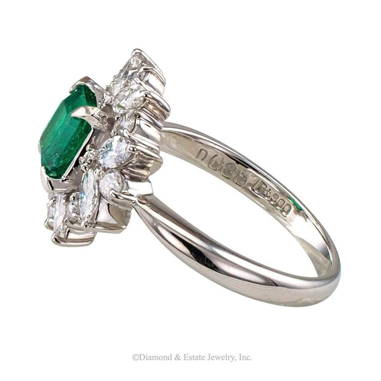 Square Emerald-Cut 0.89 Carat Emerald Diamond Platinum Ring 3