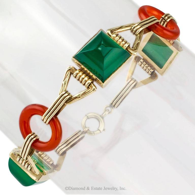 Art Deco 1930s Green Onyx Carnelian Gold Bracelet For Sale 1