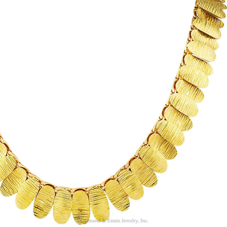 1960s Green and Pink Gold Link Necklace In Excellent Condition For Sale In Los Angeles, CA