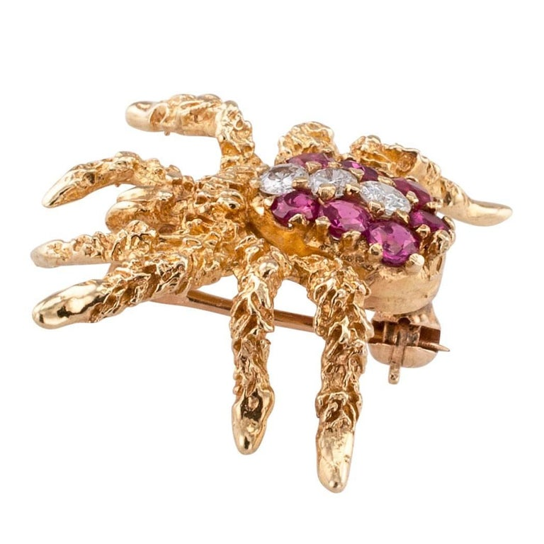 Spider Brooch 1970s Ruby Diamond Gold In Excellent Condition For Sale In Los Angeles, CA