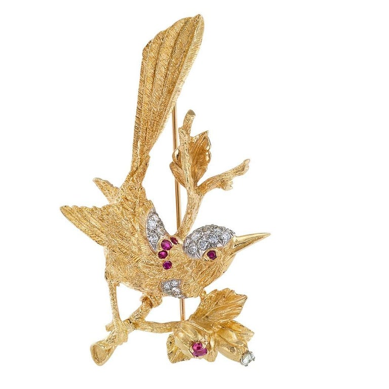 1960s Diamond Ruby Gold Bird Brooch In Excellent Condition For Sale In Los Angeles, CA