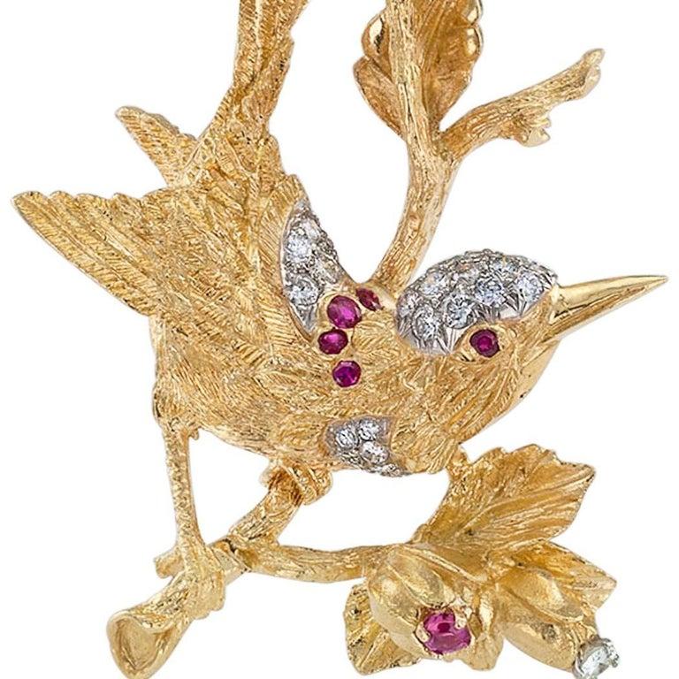 1960s Diamond Ruby Gold Bird Brooch For Sale 2