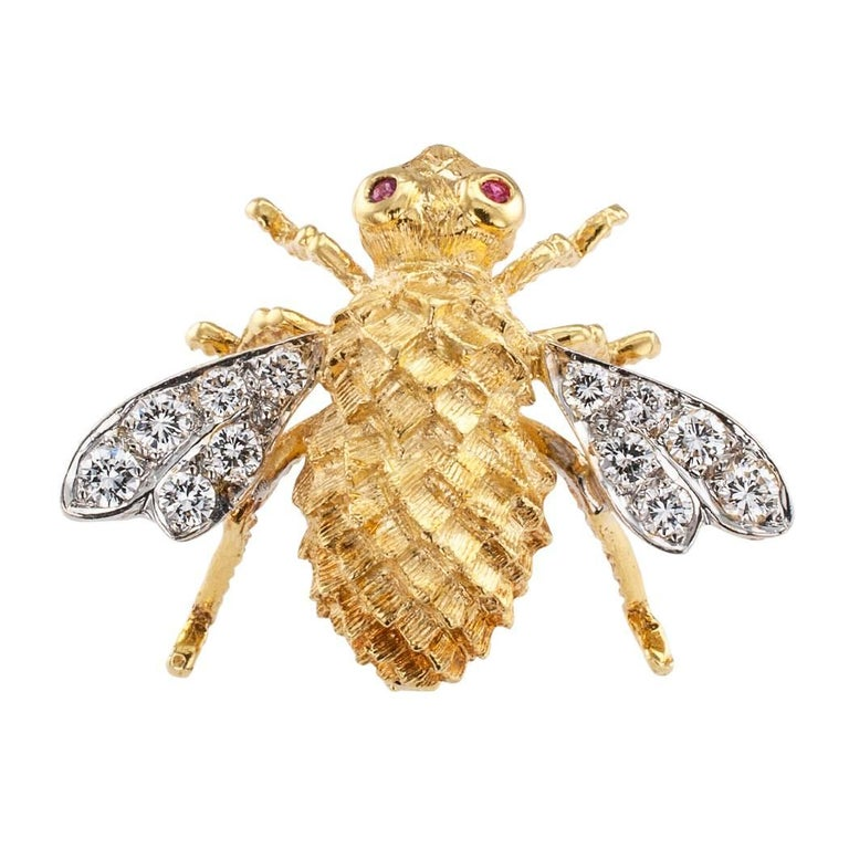 Rosenthal 1970s Honey Bee Diamond Ruby Gold Brooch For Sale