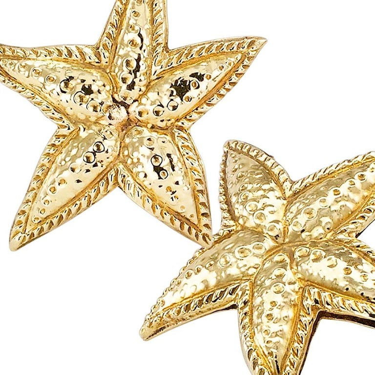 Sea Star Gold Ear Clips In Excellent Condition For Sale In Los Angeles, CA