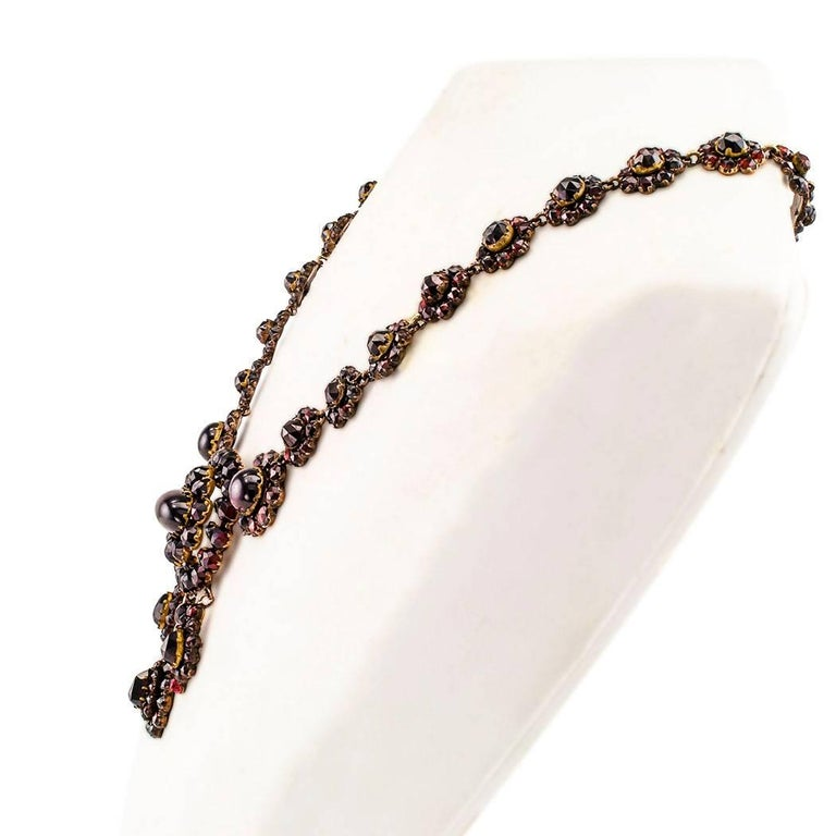 Victorian 1880s Garnet Necklace In Excellent Condition For Sale In Los Angeles, CA