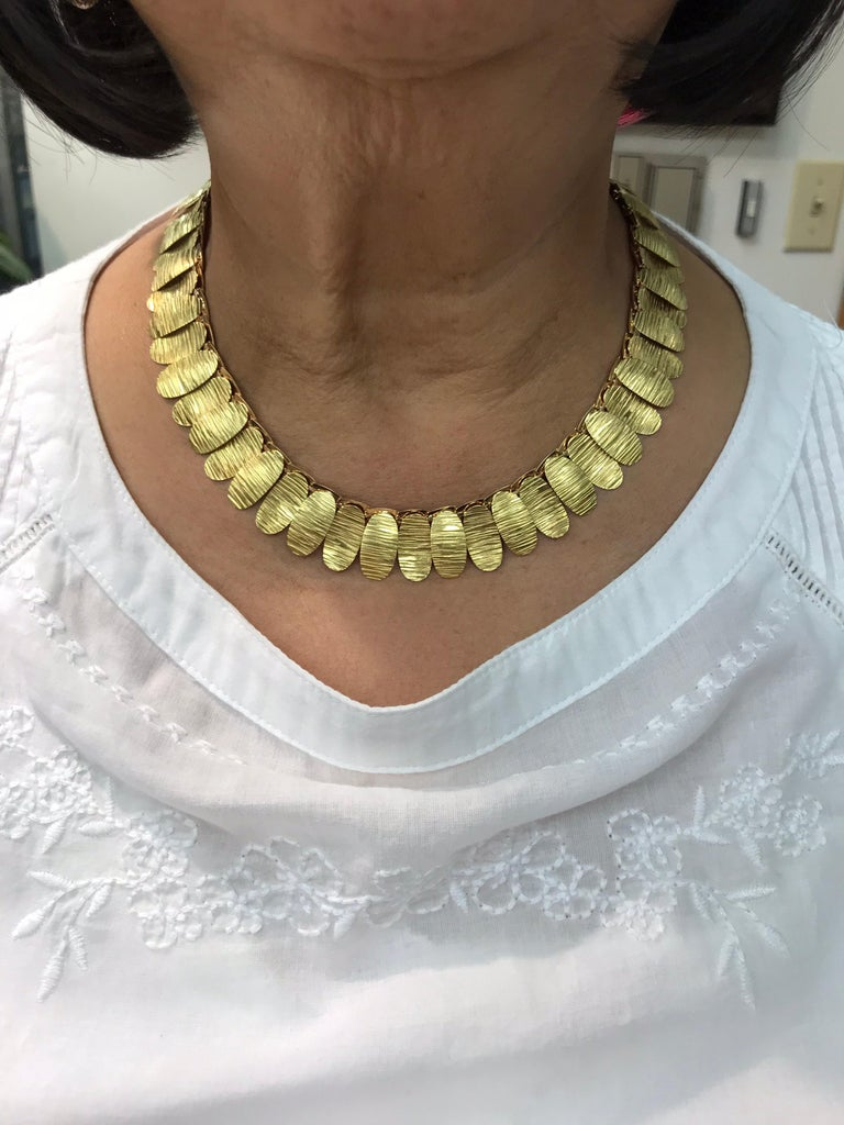 Women's or Men's 1960s Green and Pink Gold Link Necklace For Sale