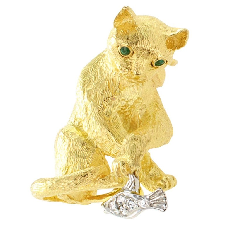 Contemporary Tiffany & Co. Figural Cat Brooch Emeralds Diamonds Gold For Sale