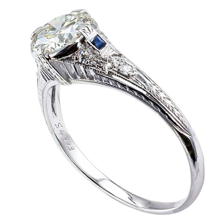 Round Cut Art Deco 0.96 Carat Diamond Solitaire Platinum Engagement Ring For Sale