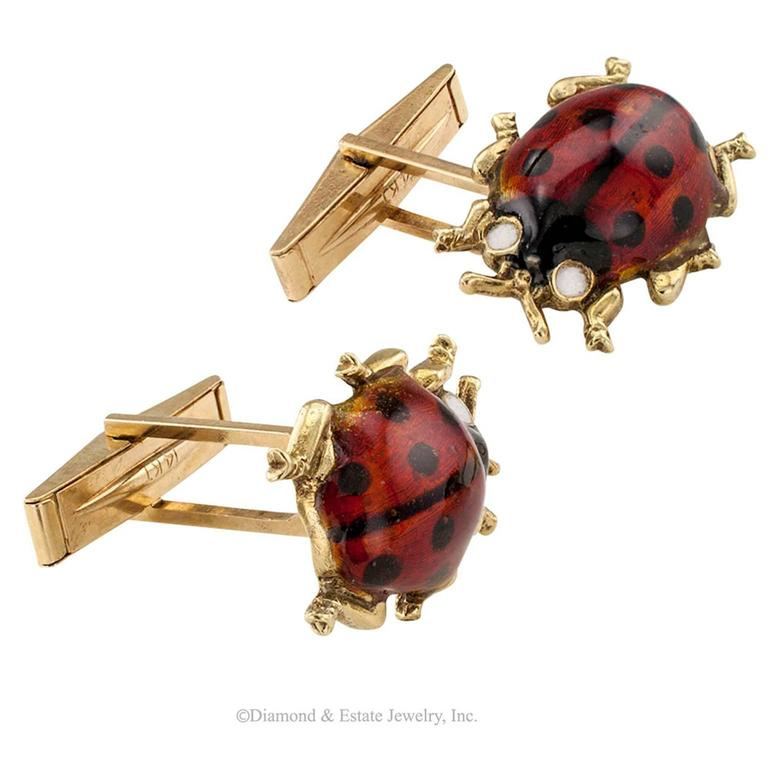 1960s Enamel Gold Ladybug Cufflinks In Good Condition For Sale In Los Angeles, CA