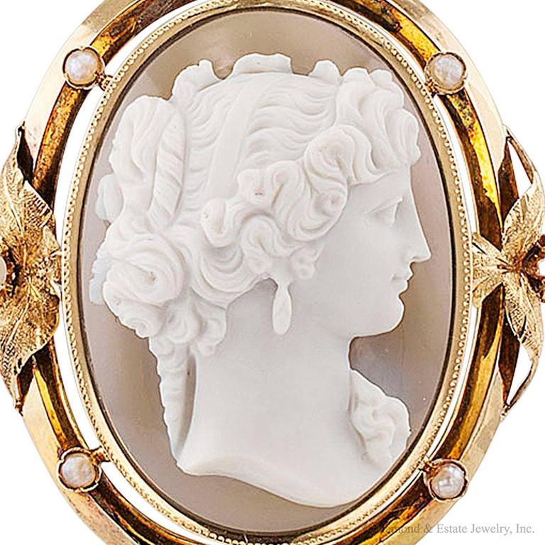 1850s Victorian Hard Stone Cameo Pearl Gold Pendant For Sale 3