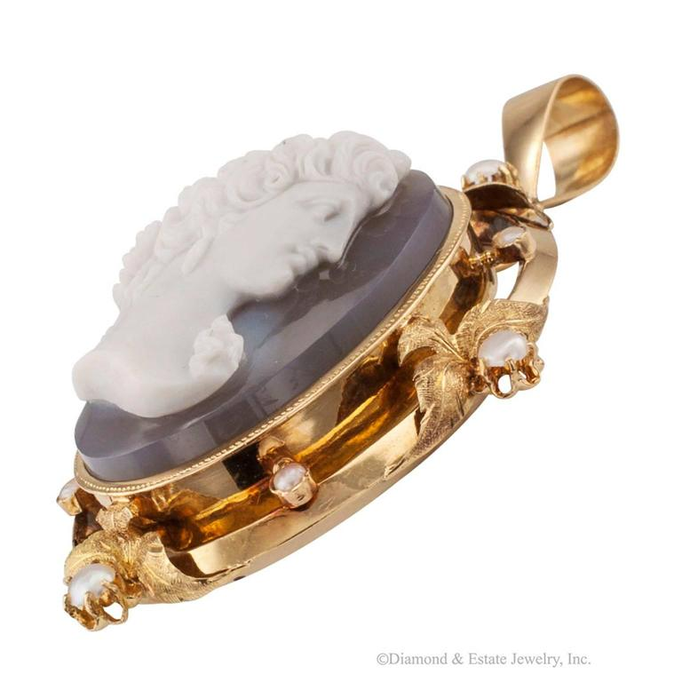 1850s Victorian Hard Stone Cameo Pearl Gold Pendant For Sale 1