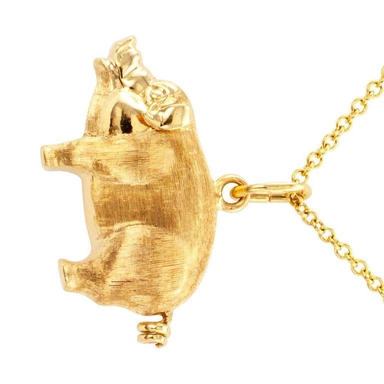 Gold Piglet Charm Pendant In Excellent Condition For Sale In Los Angeles, CA
