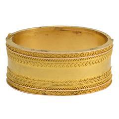 Antique Etruscan Revival 15 Karat Gold Bangle