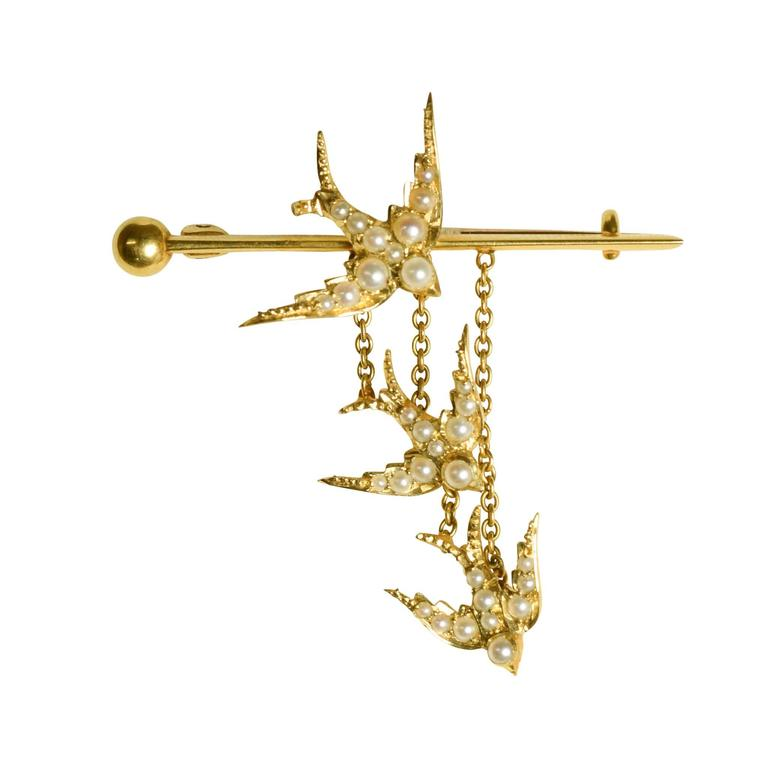 "Late Victorian Pearl ""Diving Swallows"" Gold Bar Brooch"