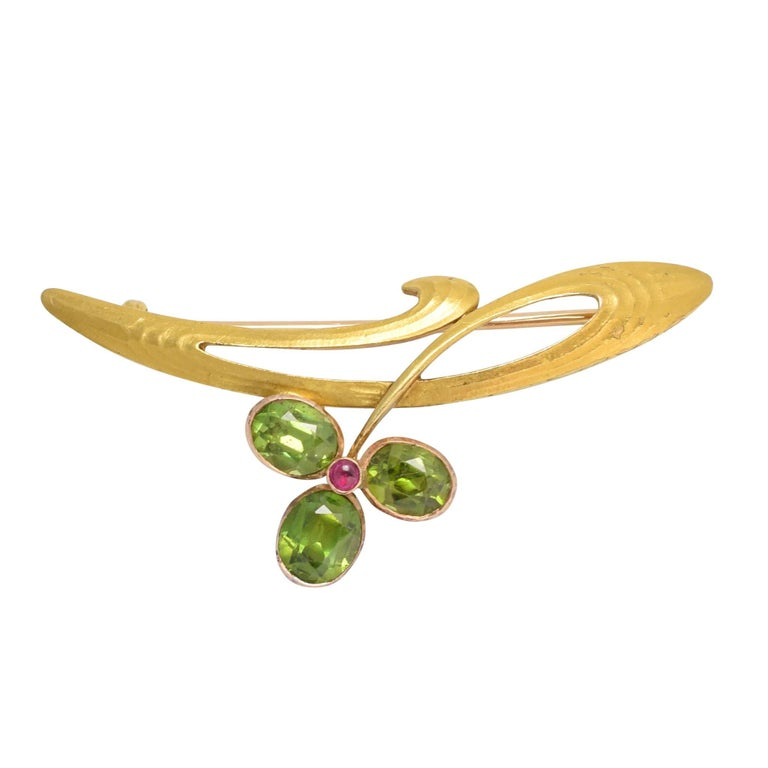 Art Nouveau Russian Demantoid Garnet Flower Brooch