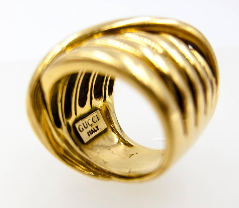 1970s Gucci Italy Gold Coil Ring In Excellent Condition For Sale In New York, NY