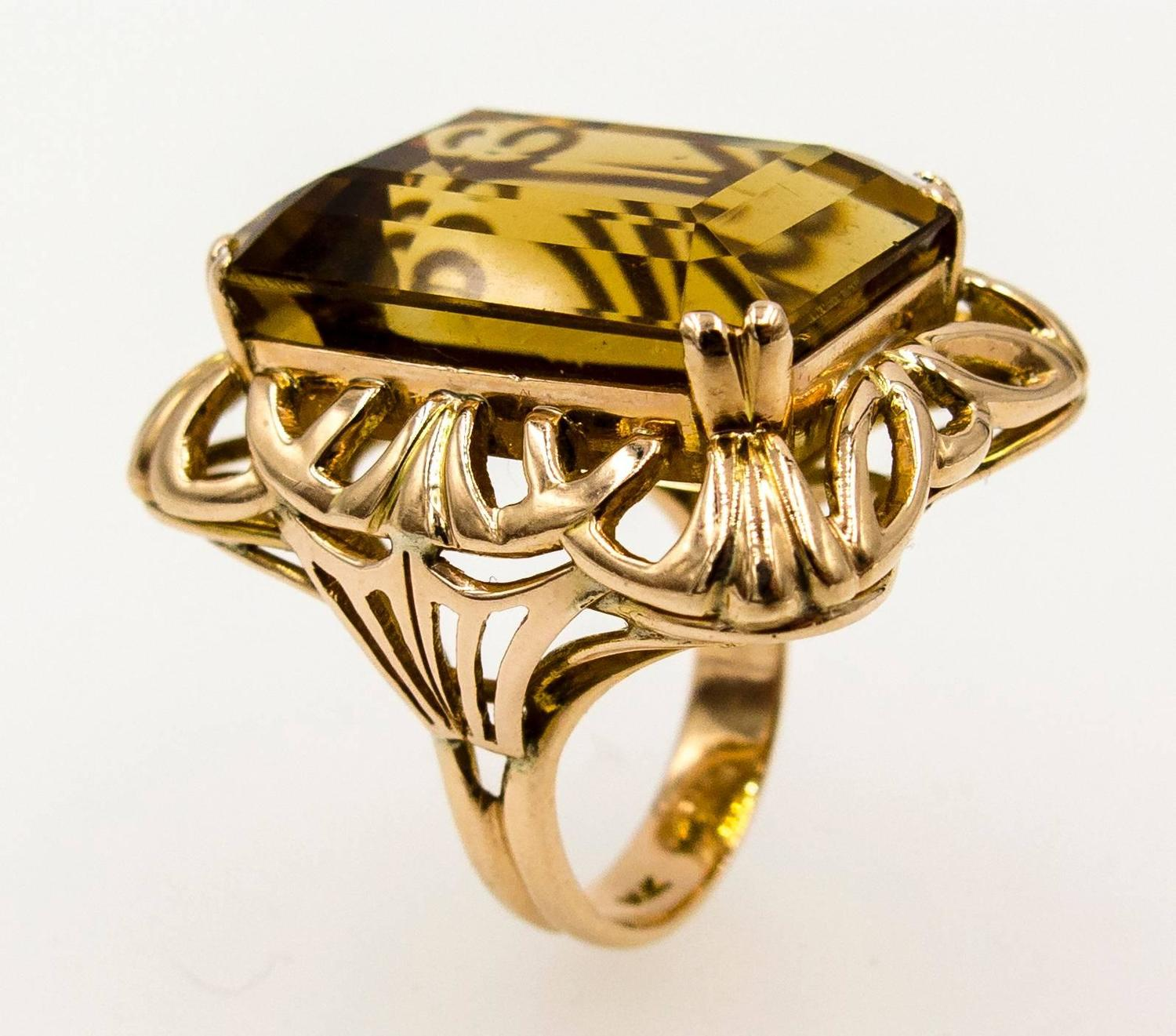 how to make a ring smaller at home