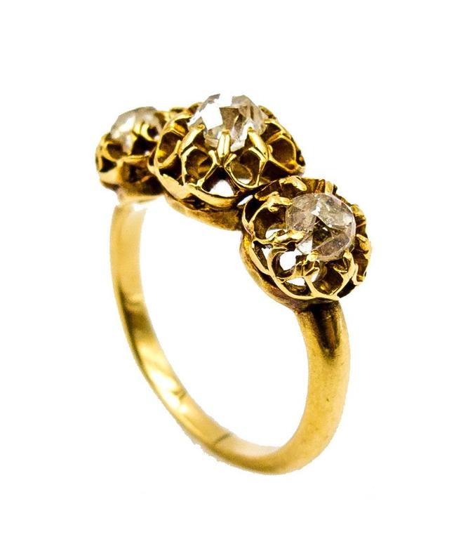 Elegant Victorian Three Diamond Gold Ring 4