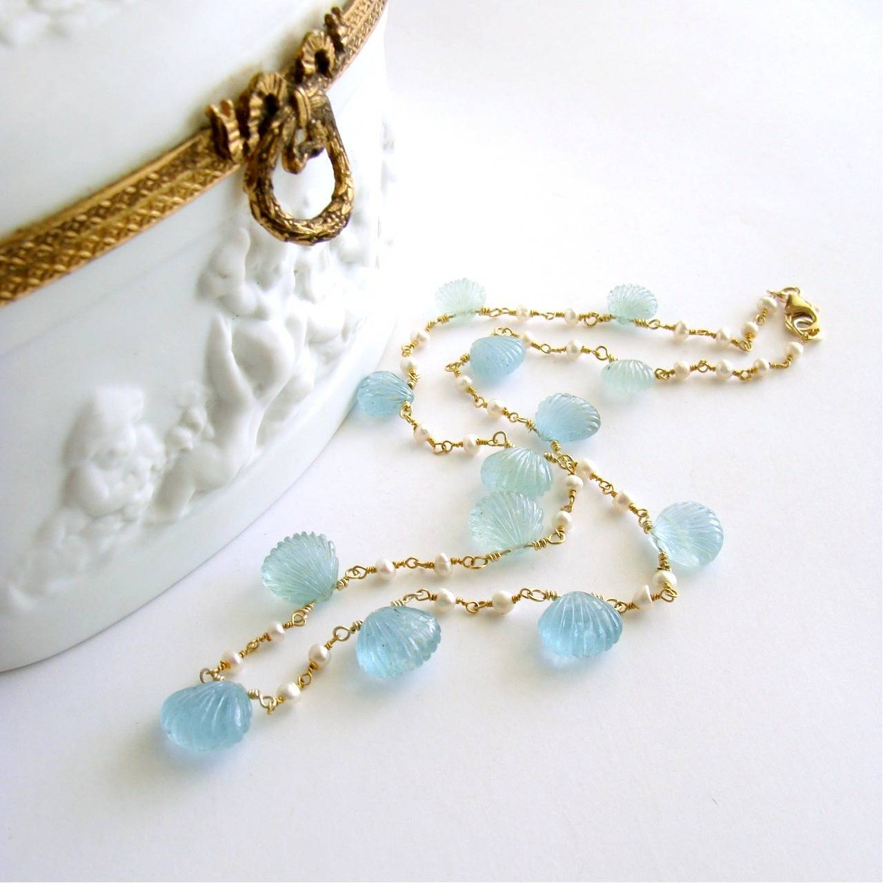 Carved Aquamarine Shell Freshwater Seed Pearl Choker Necklace 3