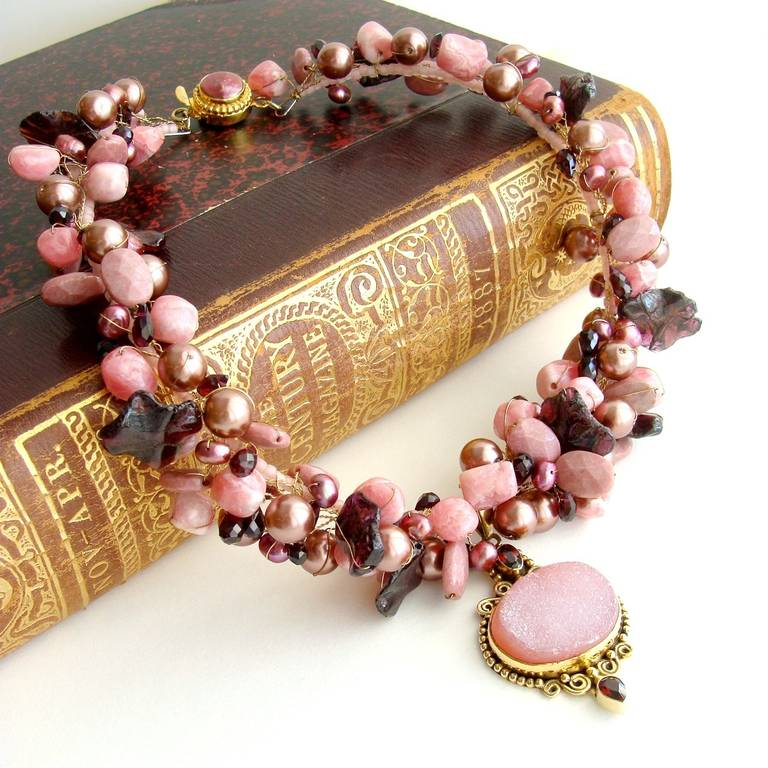 Rhodochrosite Garnet Pearls Choker Necklace Druzy Pendant In As New Condition For Sale In Scottsdale, AZ