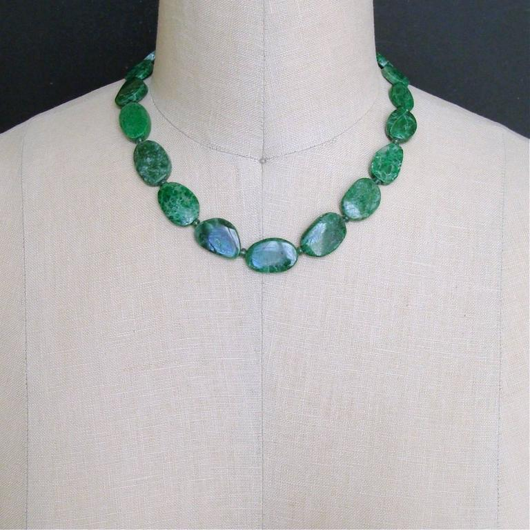 Maw Sit Sit Columbian Emerald Choker Necklace For Sale 1