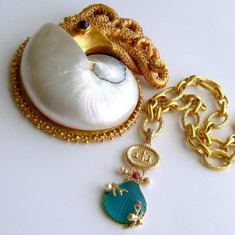 Intaglio Teal Venetian Glass Shell Rubies Pearls Pendant  Necklace In As New Condition For Sale In Scottsdale, AZ