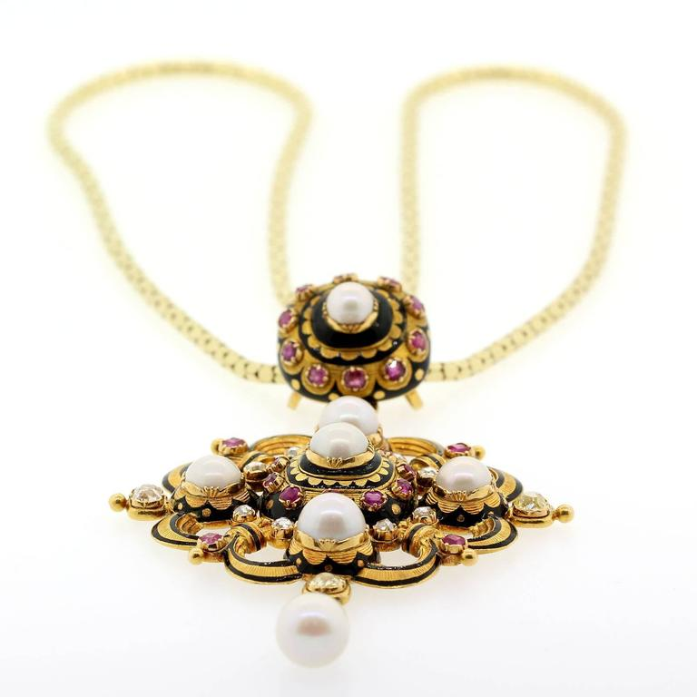 1890s Natural Pearls Old Cut Diamonds Ruby Gold Pendant Locket 2
