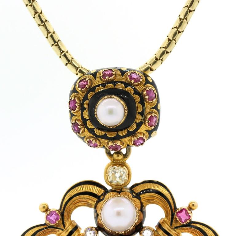 1890s Natural Pearls Old Cut Diamonds Ruby Gold Pendant Locket 3