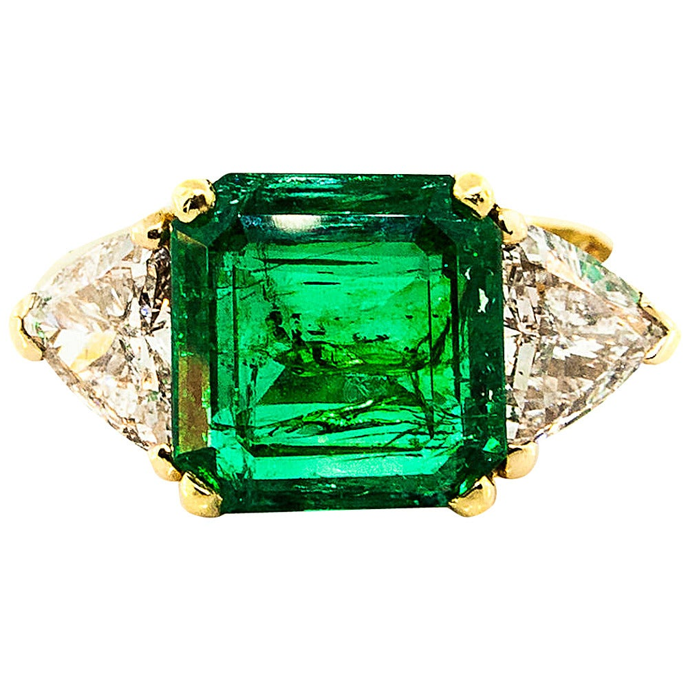 Colombian Emerald Diamond Gold Three Stone Ring at 1stdibs