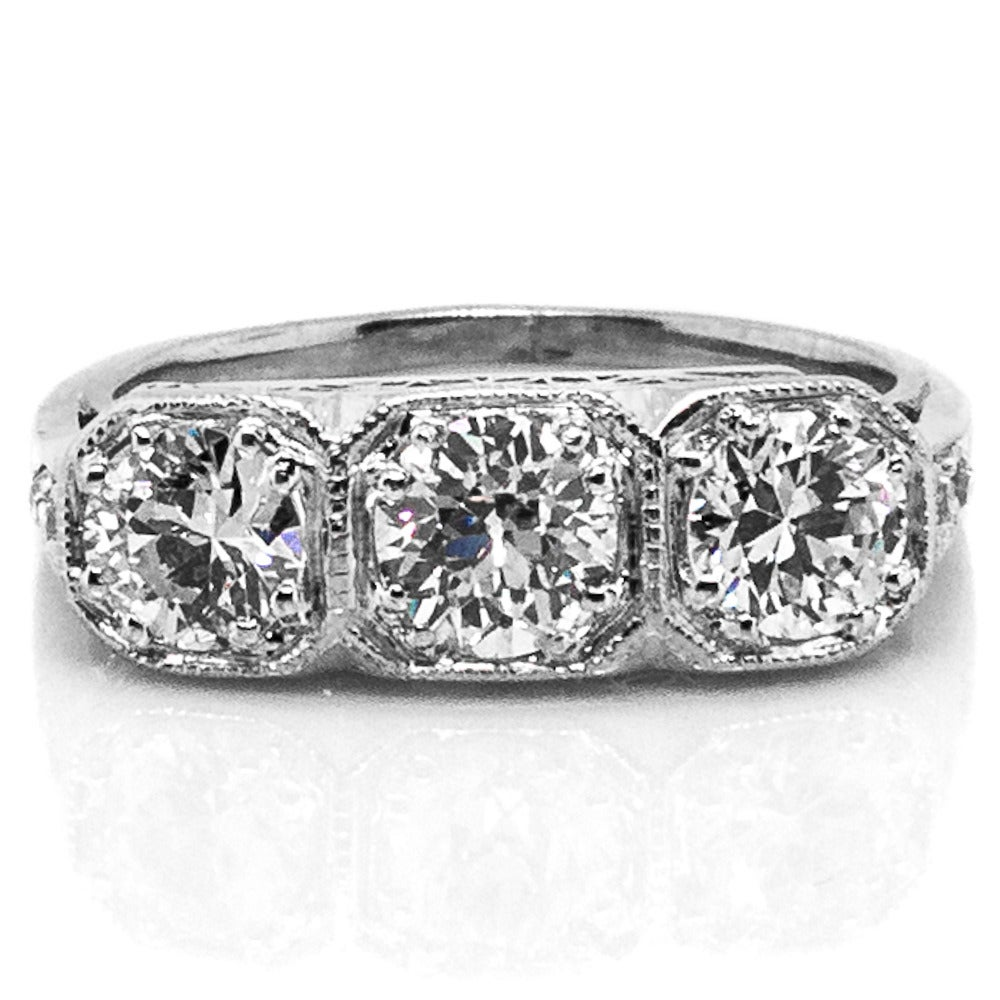 1930s Art Deco Three Stone Diamond Platinum Engagement Ring 3