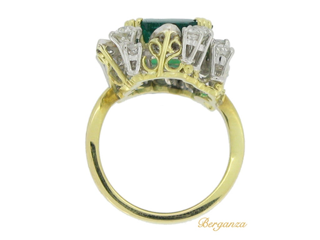 French Emerald Diamond Gold Platinum Cluster Ring circa 1950 3