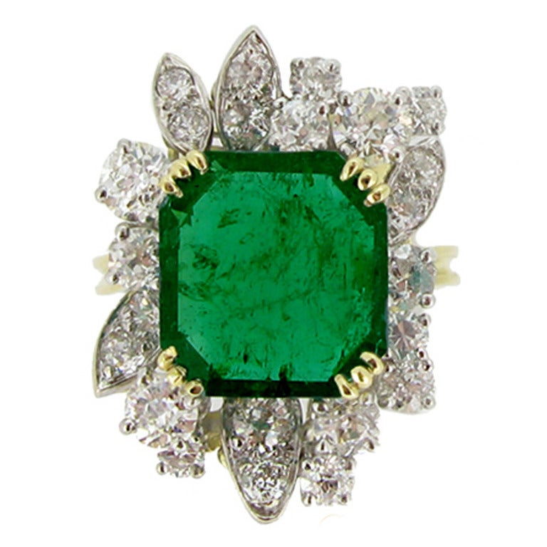 French Emerald Diamond Gold Platinum Cluster Ring circa 1950 1