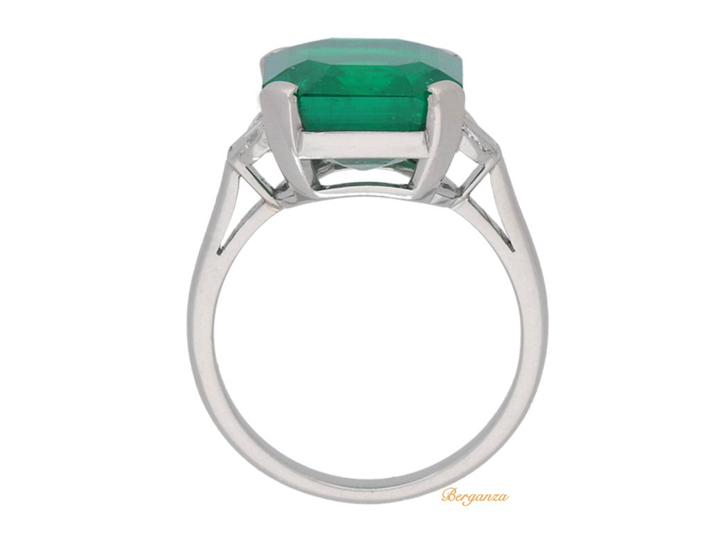 783 Carat Natural Colombian Emerald Ring With Diamond Set Shoulders Circa  1925 3