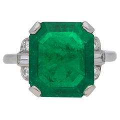 7.83 Carat Natural Colombian Emerald Ring with Diamond Set Shoulders circa 1925