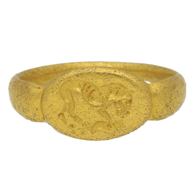 Museum Quality Ancient Greek Gold Signet Ring circa 5th-3rd Century BC For Sale