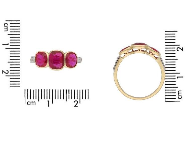 Women's or Men's Edwardian Burma Three-Stone Ruby Three-Stone Ring For Sale