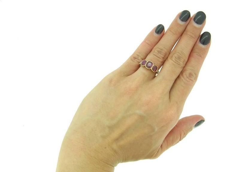 Edwardian Burma Three-Stone Ruby Three-Stone Ring For Sale 1