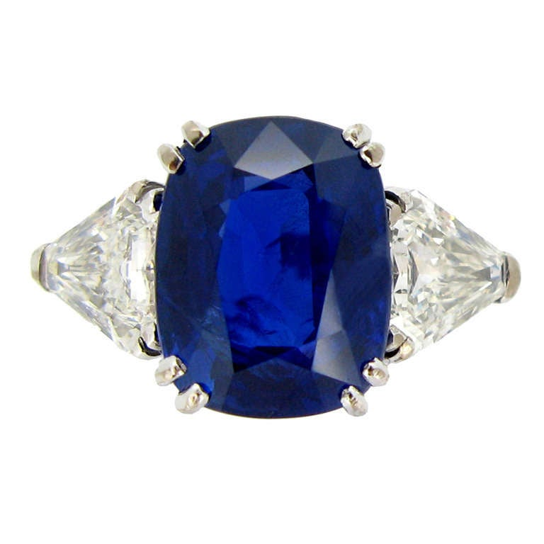 7.23Ct Unenhanced Royal Blue Burmese sapphire and diamond ring, circa 1960s. For Sale