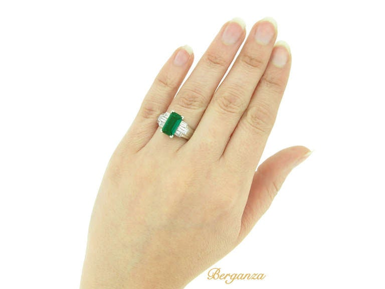 Gubelin Colombian Natural Unenhanced emerald and diamond ring, circa 1943. 7