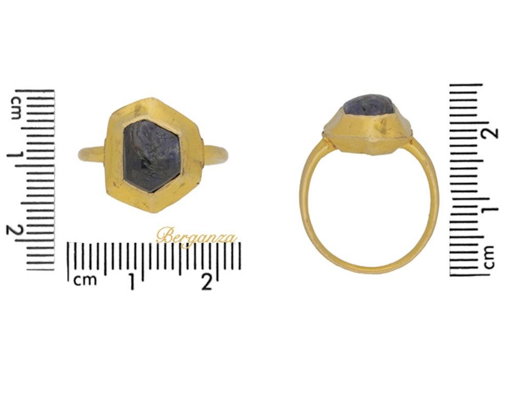 Medieval sapphire cabochon gold ring circa 14-15th century 4